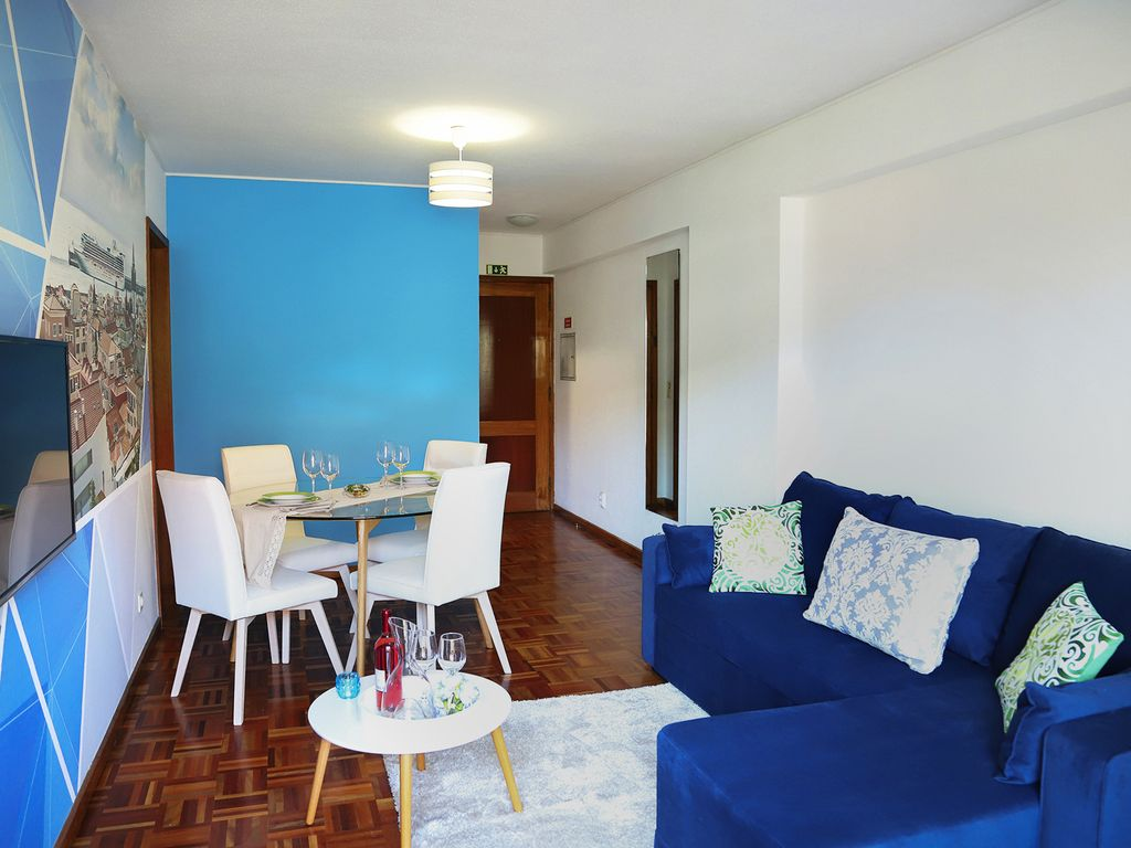 Funchal Downtown + free parking + tablet with exclusive app 15