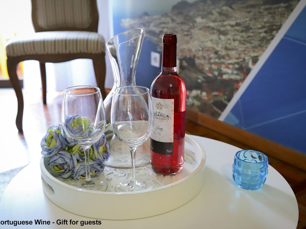 Funchal Downtown + free parking + tablet with exclusive app 2