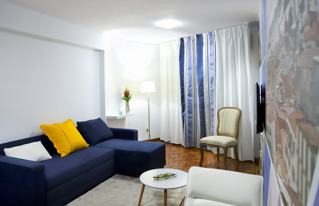 Funchal Downtown + free parking + tablet with exclusive app 3