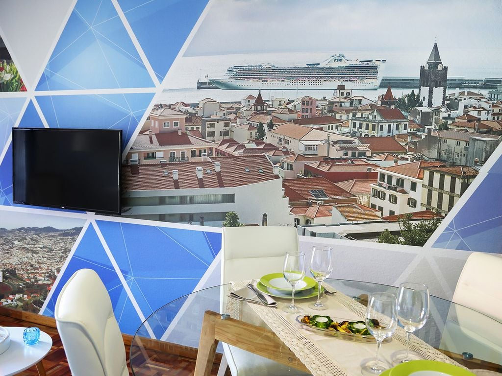Funchal Downtown + free parking + tablet with exclusive app 9